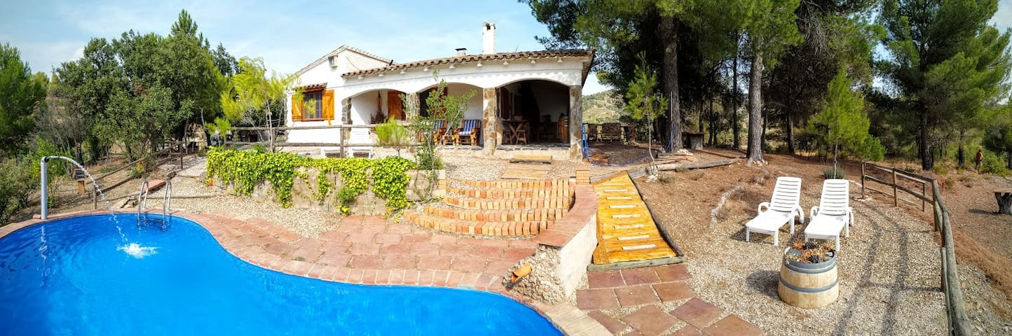 CapMas: casa con piscina en Priorat - Tarragona - Hus