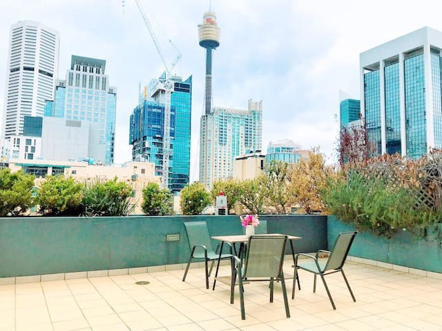 Beautiful city view Apt in heart of Sydney