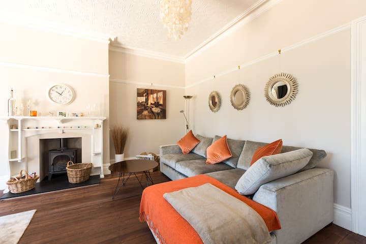 Light, spacious and luxurious - Cheltenham - Casa