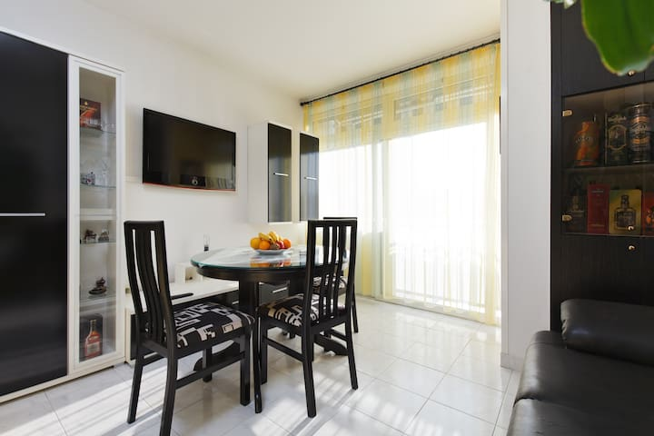 Cozy & sunny - Apartment Spalatium