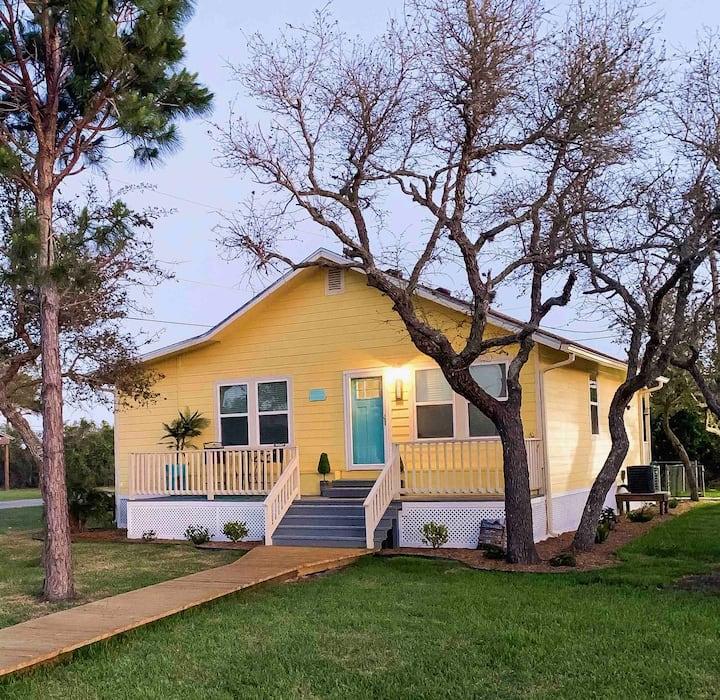 """Little Miss Sunshine"" Coastal cottage"