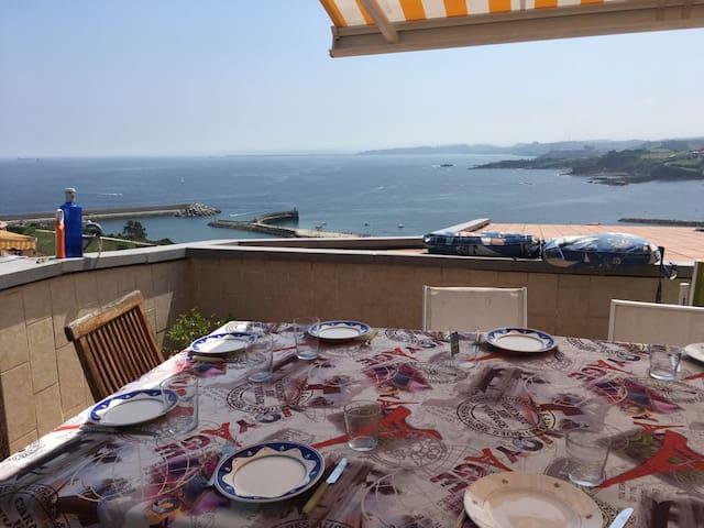 Adosado en Luanco con vistas al mar