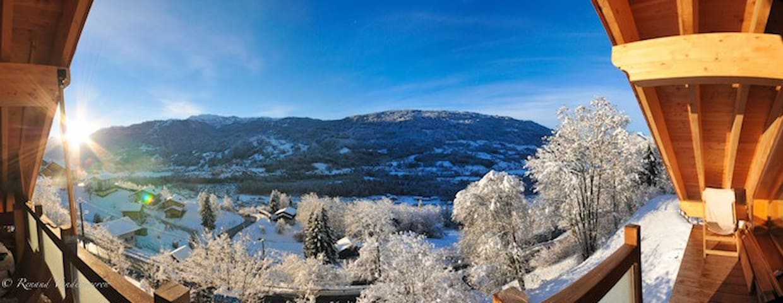 Panorama sur domaine du ski Grand Massif