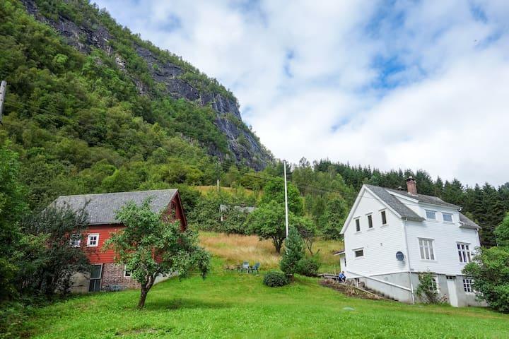 Solbakken Farm (room 2 & 3)