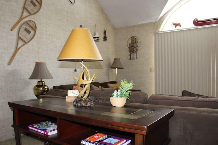 Lofted Pocono Beauty by a Host who Loves Hosting!
