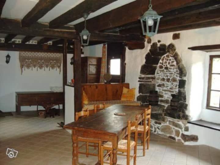 Gite (nuit/semaine) dans demeure basque XVIIème