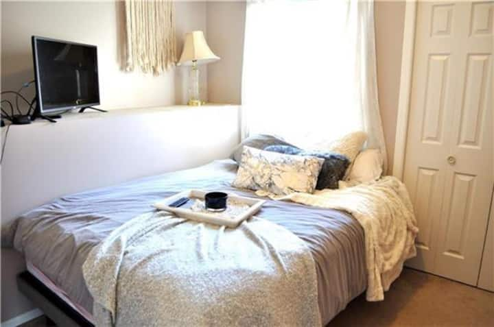 ★ MASTER Bedroom ★★ Private Room in Cozy House ★