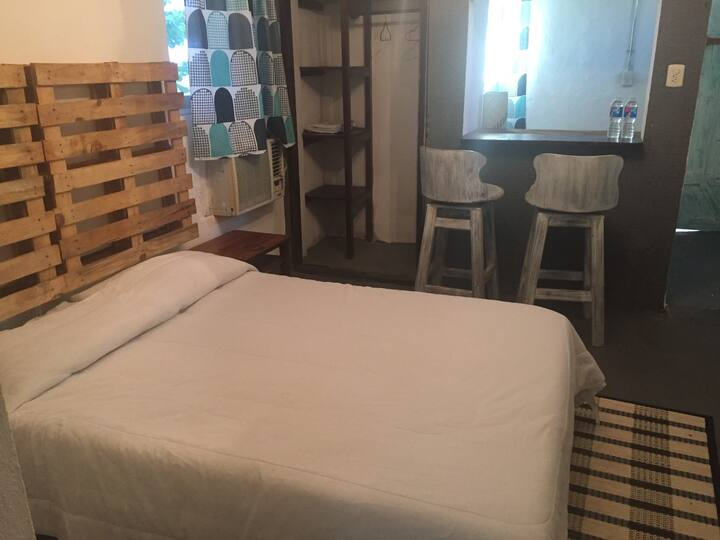 BONITO ESTUDIÓ DENTRO DE UN HOTEL