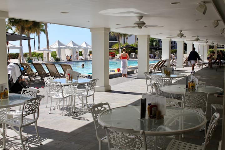 RARE DEAL! 2BR! PRIVATE BEACH, 5 POOLS