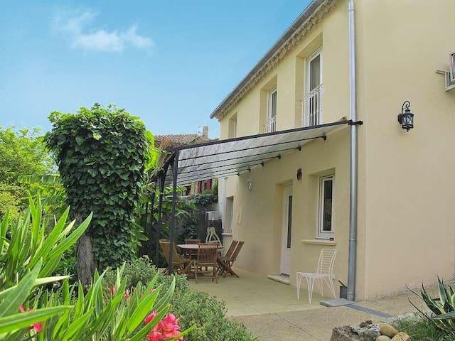 Maison au calme dans la verdure, proche Avignon - Sauveterre - Huis