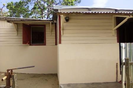 Maison FENO