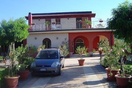 Villa al mare - spiaggia o scogliera - Arenella
