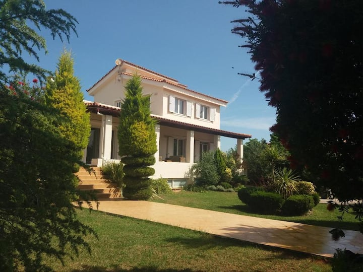 Beautiful  Summer Villa in Chalkoutsi Beach Oropos