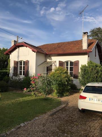 Maison dans joli quartier résidentiel saint Vincent