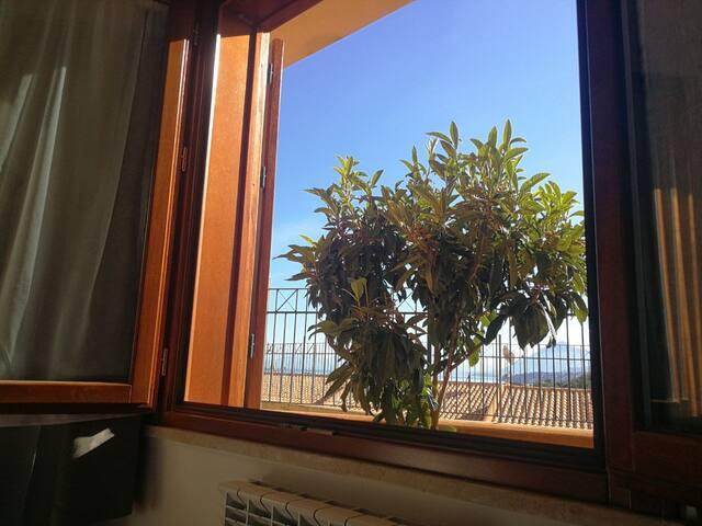 Dai Cirino, luminoso appartamento con giardino