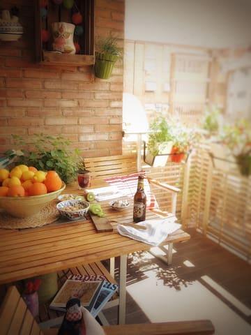 """Descanso Room"" in Murcia Center - Murcia - Apartment"