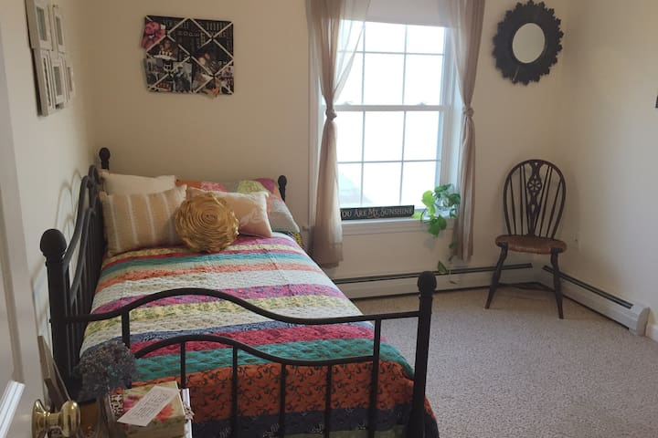 1 mile from highway & hospital/clean & comfortable - Augusta - Casa