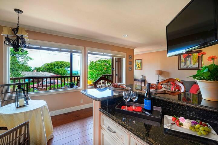 3639 Bayview-by-the-Sea Regent Suite - Pacific Grove - Condominium