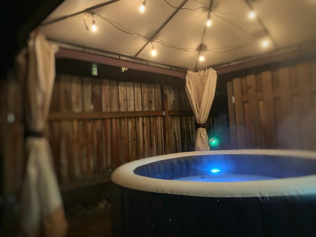 💎 House Of Hope - Queen Bed & Hot Tub Downtown