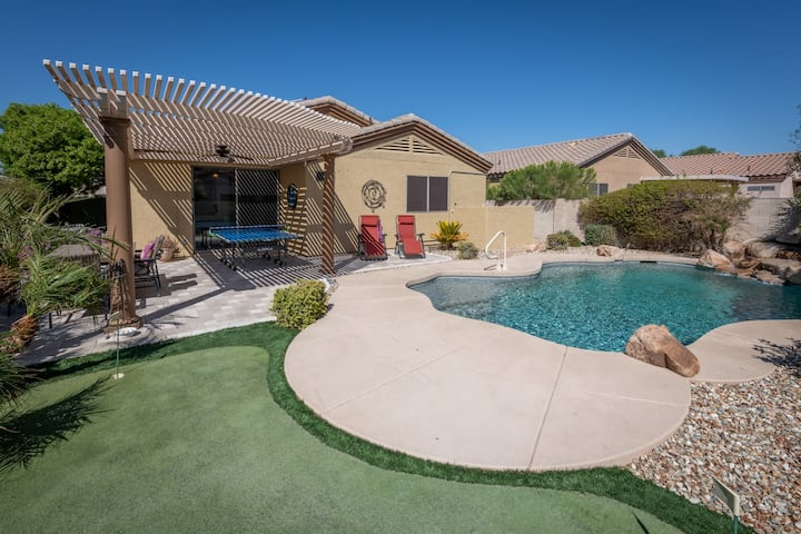Surprise home w/Heated POOL and GREAT location!
