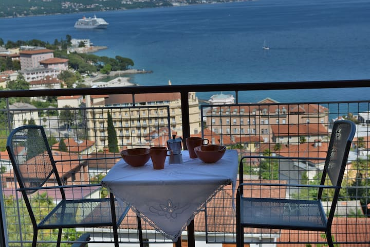 APP IN FAMILY HOUSE FOR 2 PERSON - Opatija - Pis