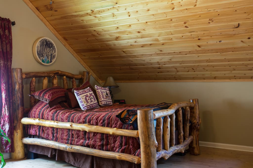 Custom Aspen log bed