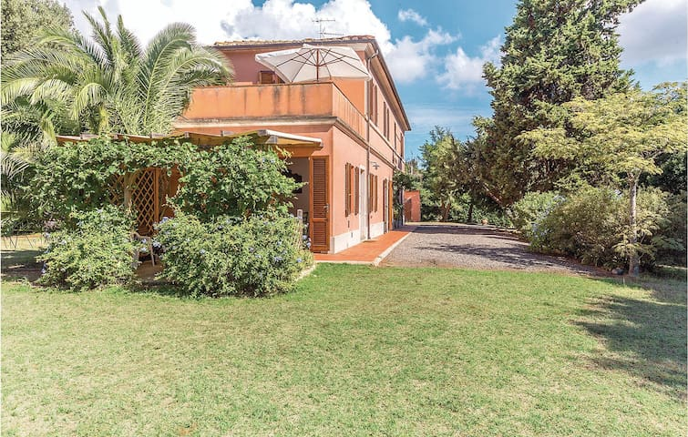Semi-Detached with 2 bedrooms on 90m² in Rosignano Marittimo LI
