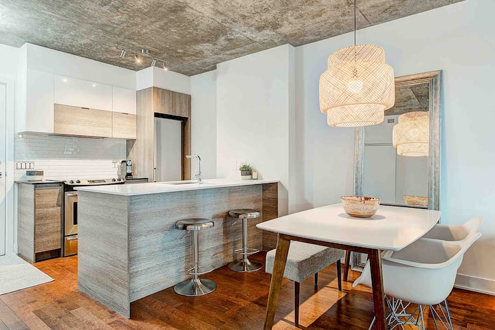 1 bedroom condo with patio in Downtown Montreal