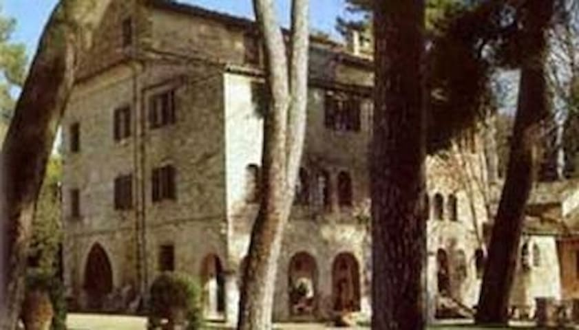 Badia di S. Vittore di Cingoli - San Vittore - Byt