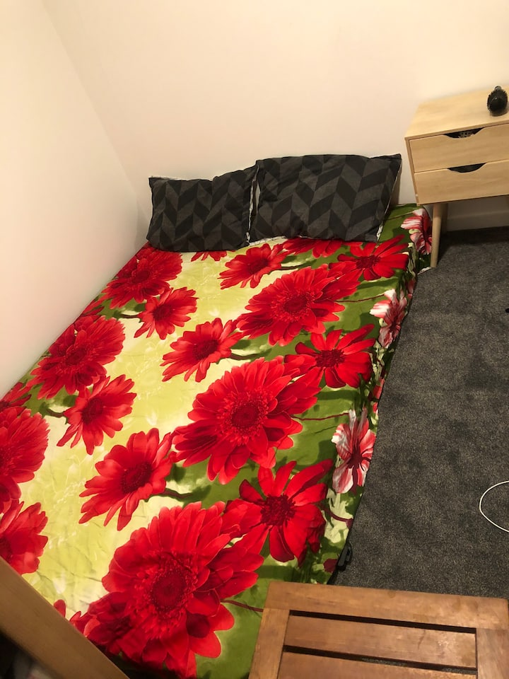 Cheap comfy room