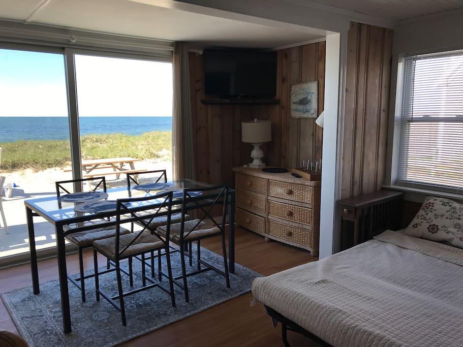 west harwich chat rooms Hotels in west harwich book check out west harwich hotel properties using interactive tools which allow you view hotel rooms chat live or call 1-800-454.