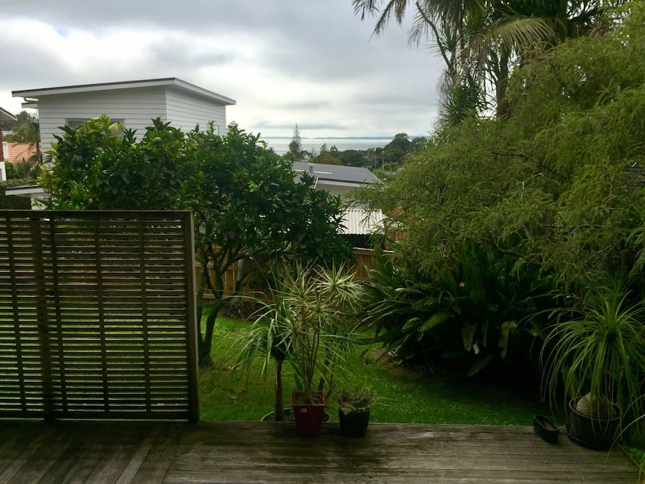 Seaview from deck. 300m walk from Murrays Bay beach