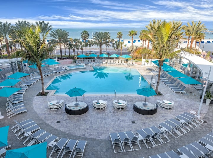 Clearwater Beach Front, One Bedroom Deluxe Condo (A438)