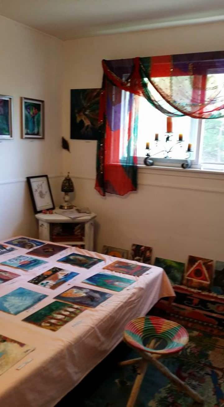 Canadian Artist and Author's Private Room