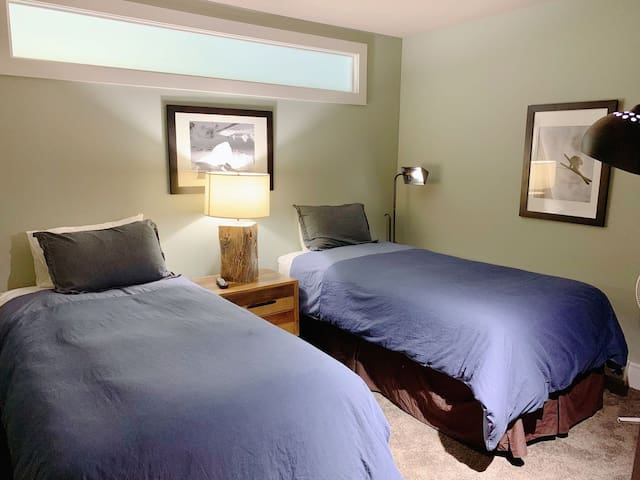 #3 bedroom : two twin size bed. We can combine them into a King size bed for you. Please let us know your demand at booking.