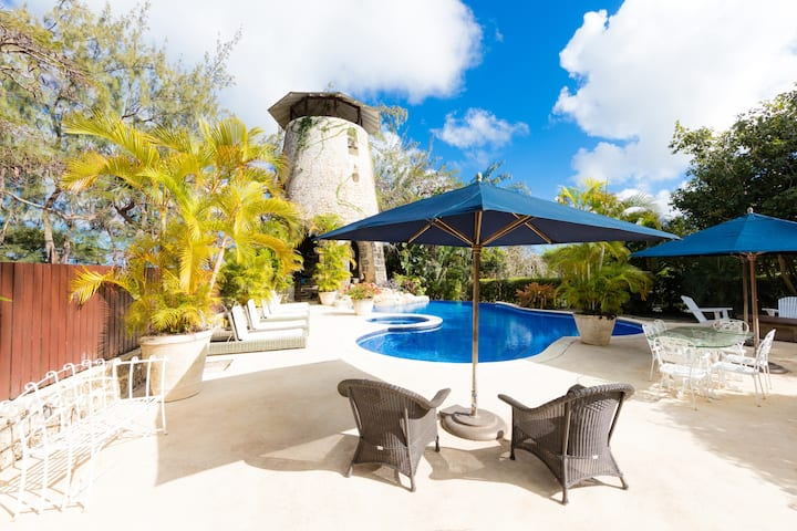 Charming 2 bed Spacious Plantation Guest House
