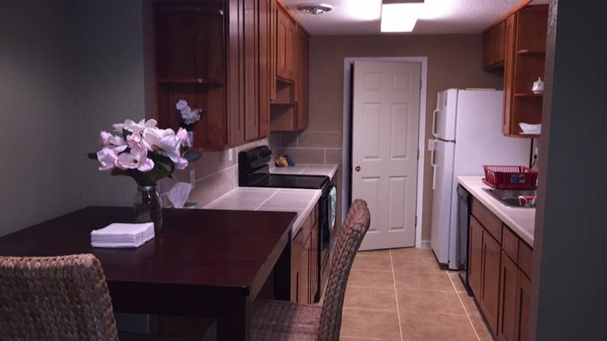 2 Bedroom in the Heart of Lynnwood