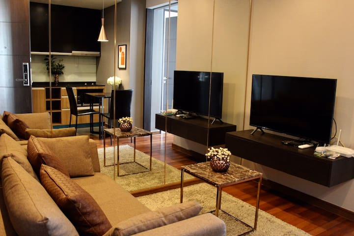 NEW 1BR CONDO/BEST VIEW AND NEAR TO POPULAR MALLS