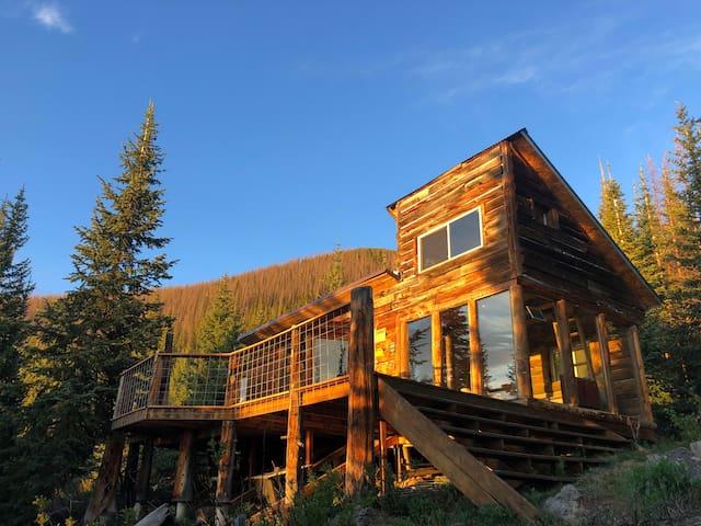 Fisher Mountain Hut