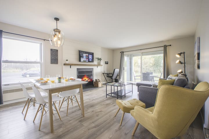 ⭐⭐OhMaGog⭐ ⭐⭐Condo in ❤ of Magog, KING BED & SKI!