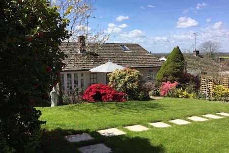 Buxted. Unwind here or explore the countryside! - Buxted - Bungalov