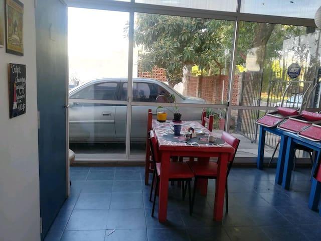 A 10 km de Rosario habitaciones en casa de familia