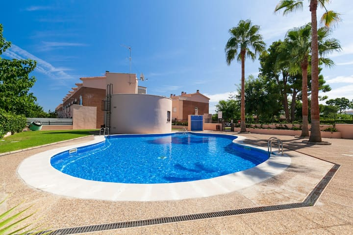 UHC CASA AVENTURA D'OR great terrace with BBQ. Communal area with Pool