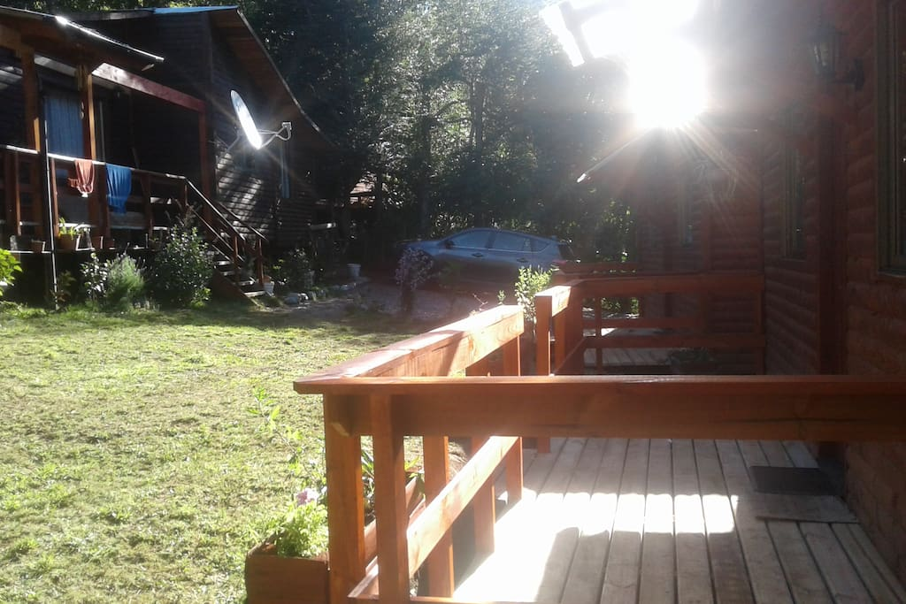 Cabañas  con sus terrazas de pino oregón.