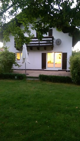 Luxury Family-House near Munich - Sauerlach - Hus