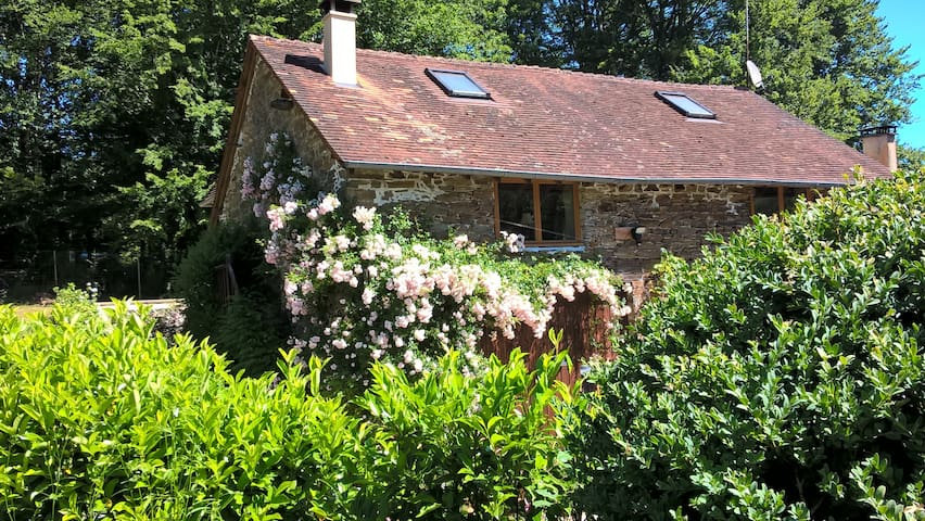 Le Moulin Neuf Sud Holiday Cottage, Dordogne