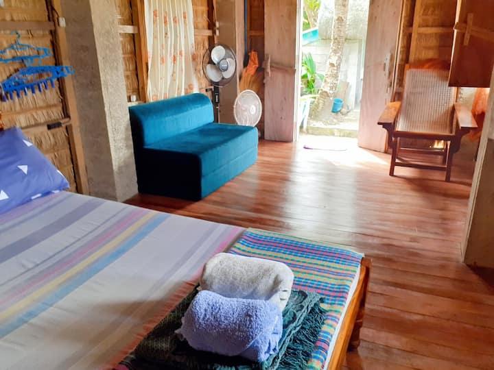 D' Rock Homestay Beach Resort @ Ivana