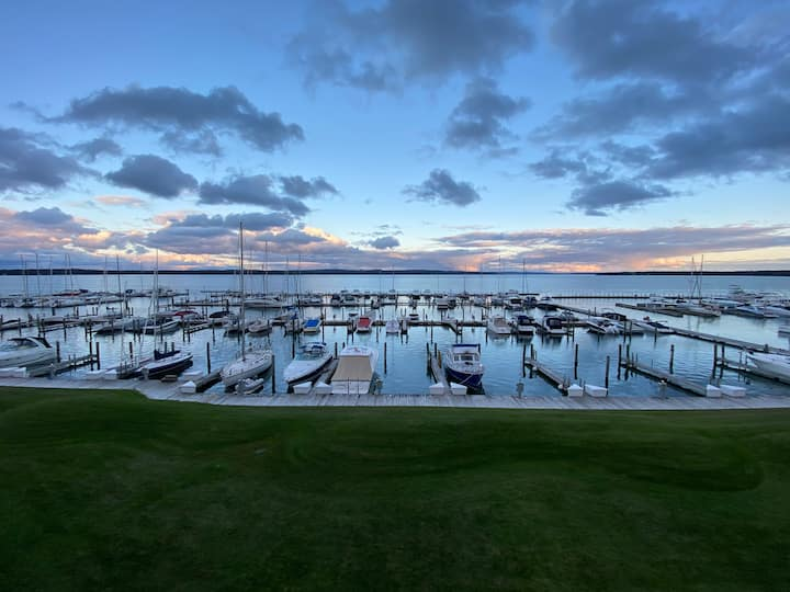 Lakefront Charlevoix Gem!!