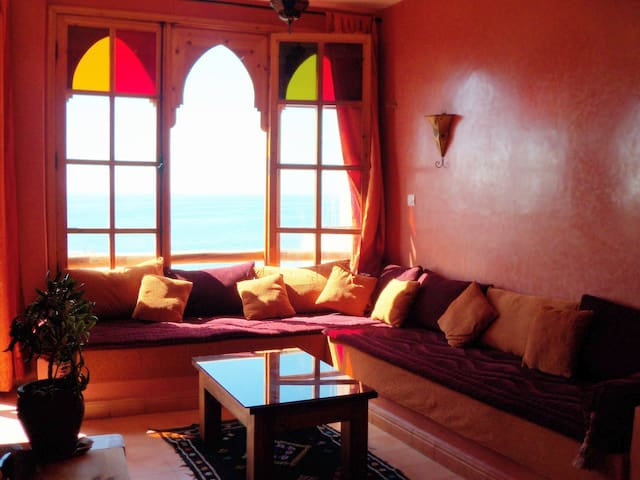 Moroccan salon with satellite tv, dvd player and sea views!
