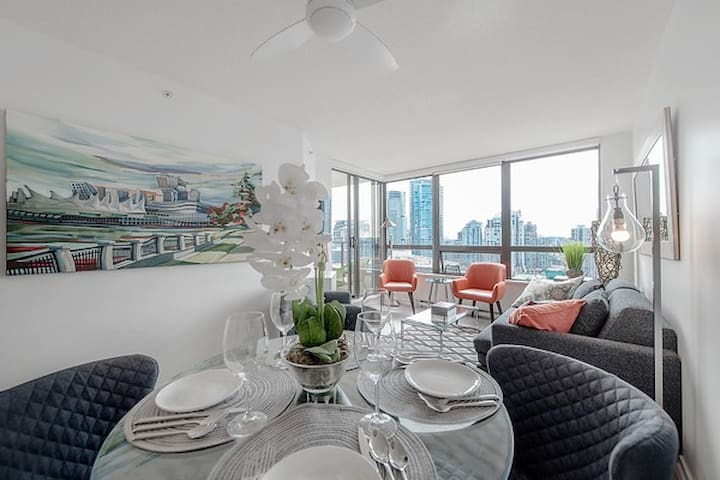 High End Central Downtown Oasis & Unbeatable Views - Vancouver - Wohnung